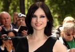 Ellis-Bextor Speaks French to Avoid Attention
